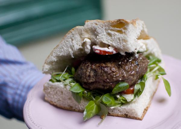 hamburger lepény lenyér10.jpg
