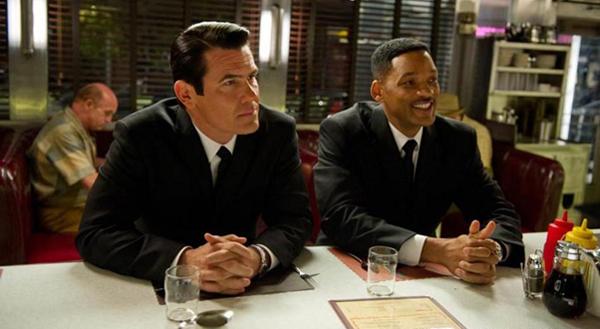 men-in-black-with-pie.jpg