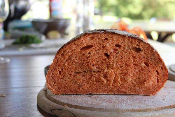 paradicsomos kenyér.jpg
